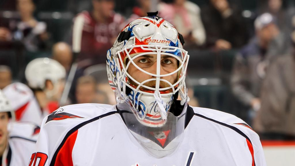 Braden Holtby Uses Mask To Pay Respect To The Hip