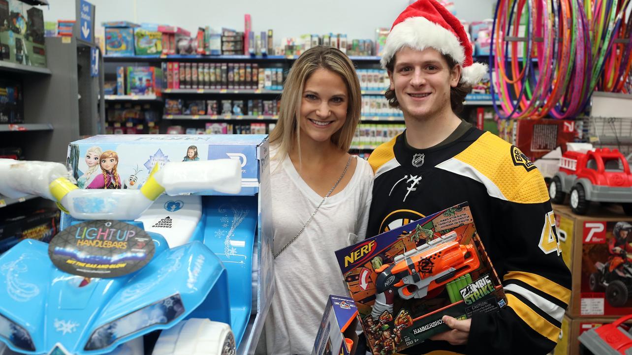 Bruins Get Into Holiday Spirit