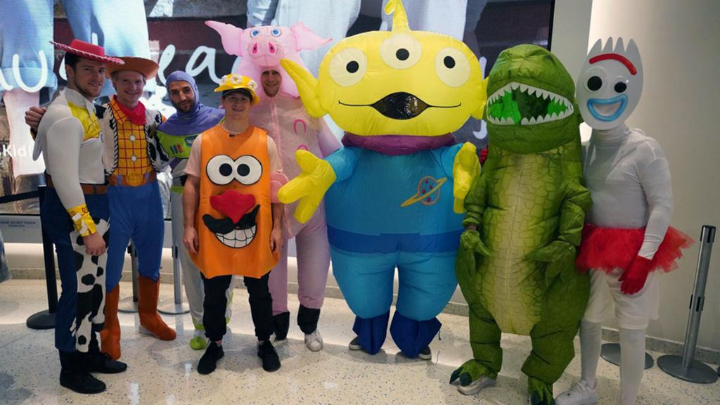 Nhl Bruins Cosumes , Halloween 2020 Bruins don 'Toy Story' costumes for annual trip to children's hospital