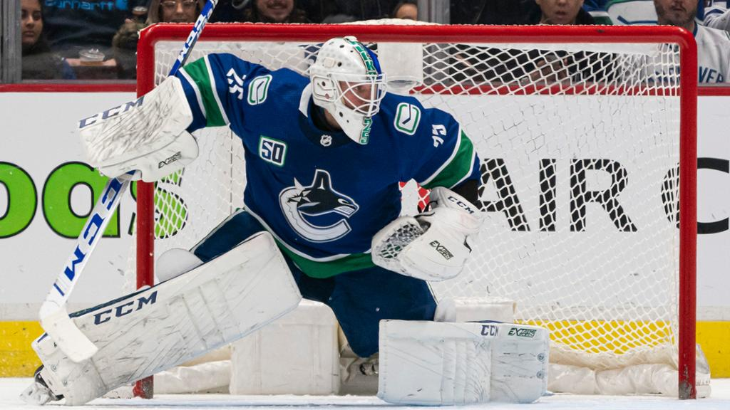 Canucks Hope To Re Sign Markstrom Acquire Top Six Forward Report