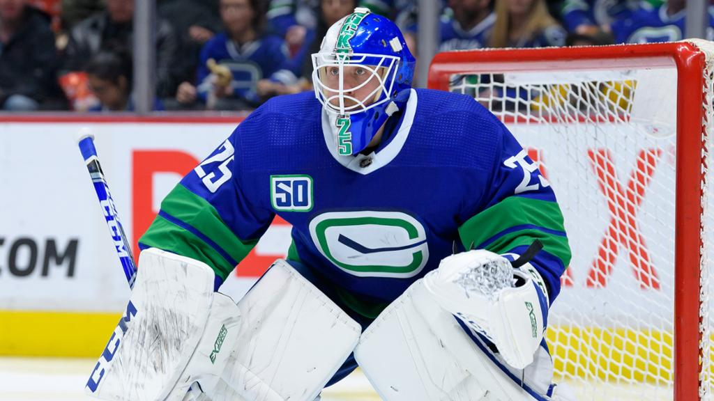 Canucks Hope To Re Sign Markstrom Report