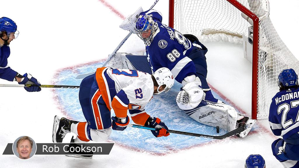 Nelson, Varlamov help Islanders cut Lightning's series lead in half