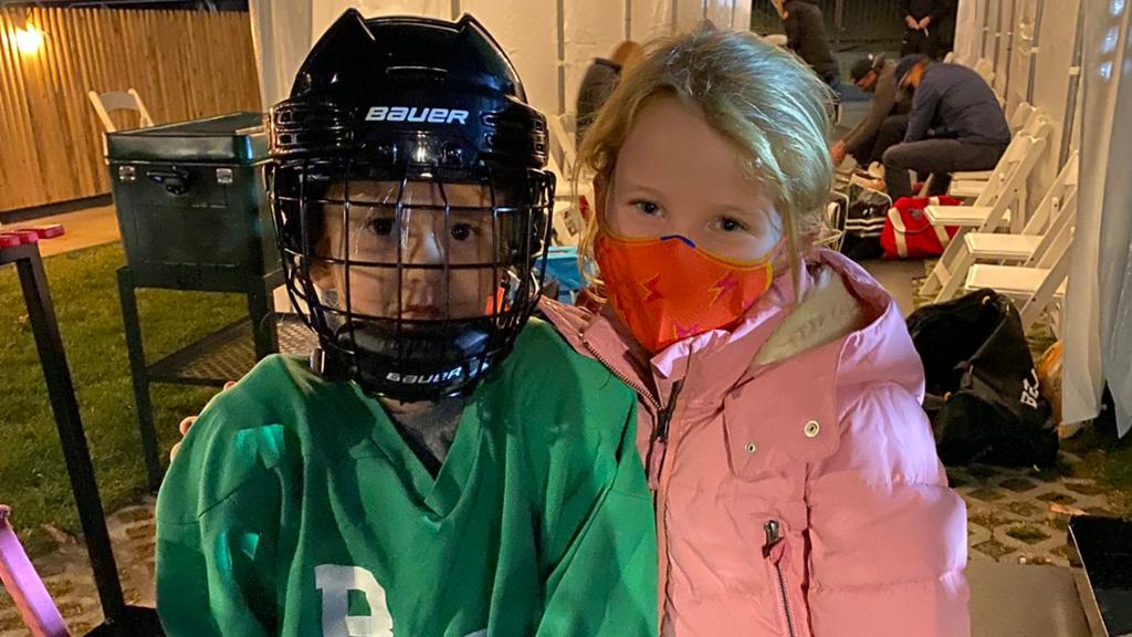 Manning becomes 'hockey dad' in retirement from NFL