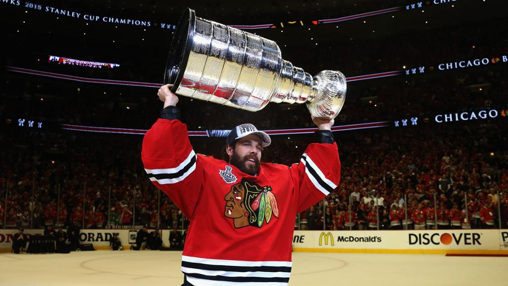 Crawford retires from NHL, was two-time Cup winner with Blackhawks