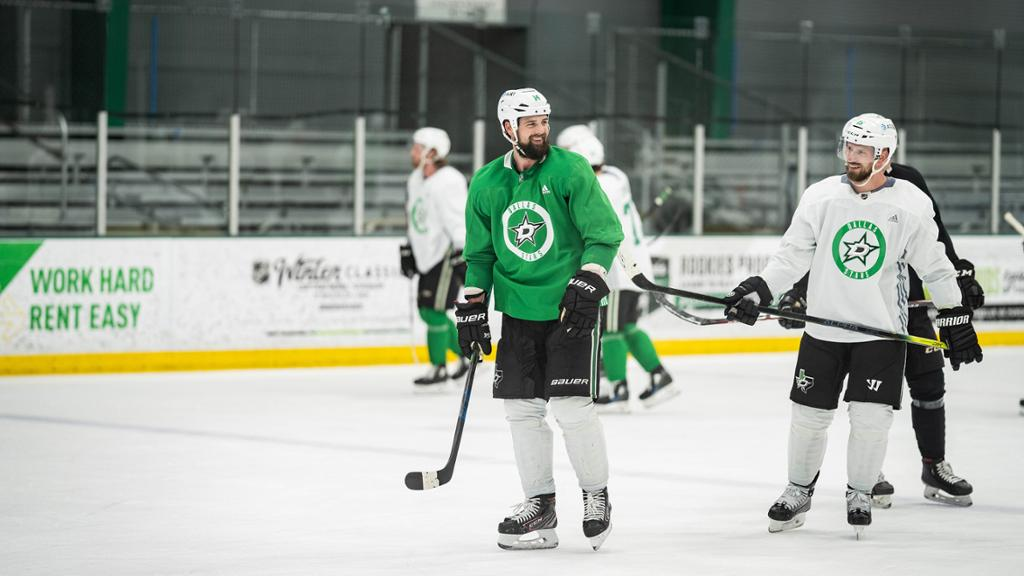 Stars return to practice after COVID-19 outbreak thumbnail