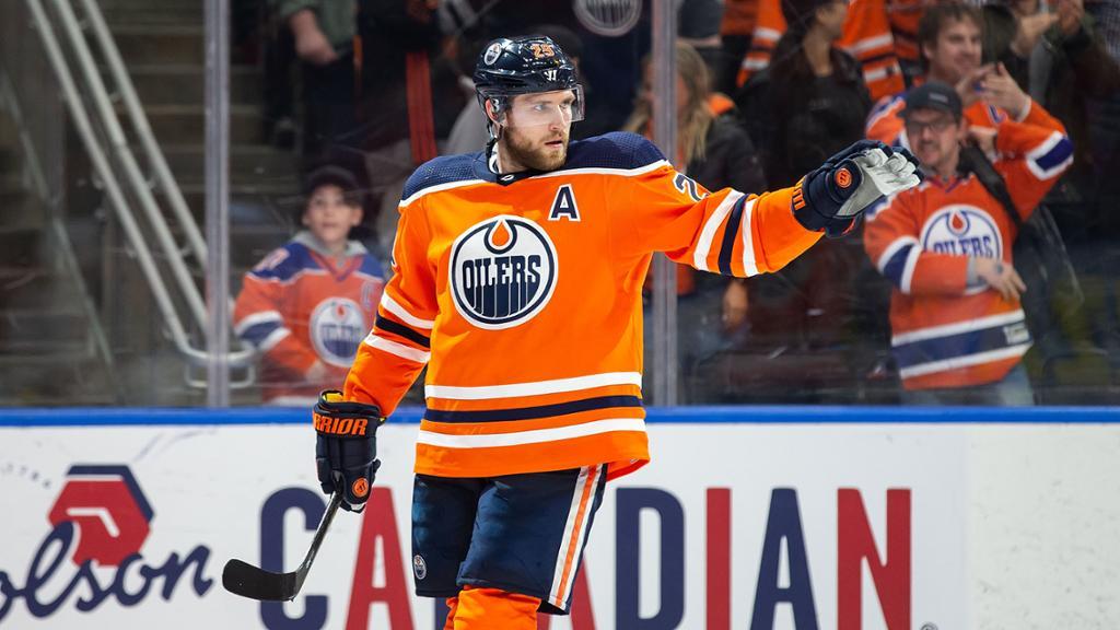 Connor McDavid scores hat trick, Edmonton Oilers defeat Vancouver Canucks 5-2