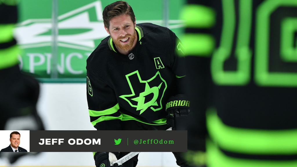 Photos: Stars debut new 'Blackout' third jerseys against Red Wings