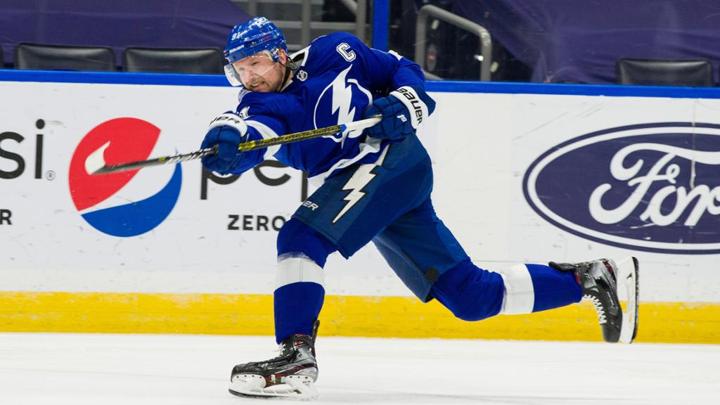 NHL Buzz: Stamkos out for Lightning against Predators