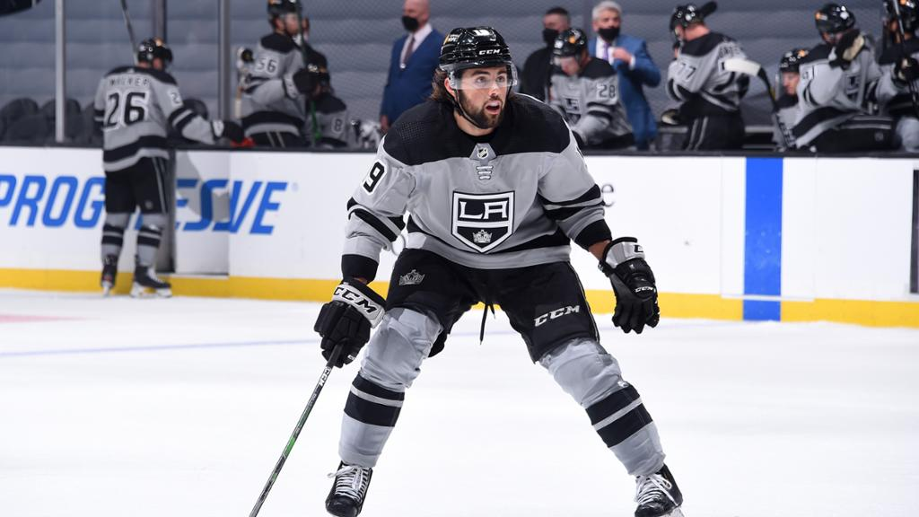 NHL Trade Buzz: Kings deciding whether to sign or deal Iafallo