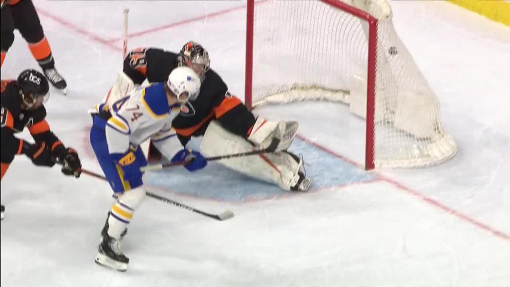 Sabres score three late in third, rally past Flyers