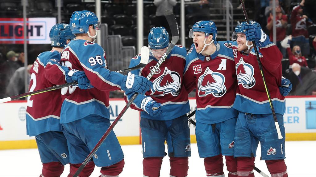 <p>MacKinnon Records His First Playoff Hat Trick thumbnail