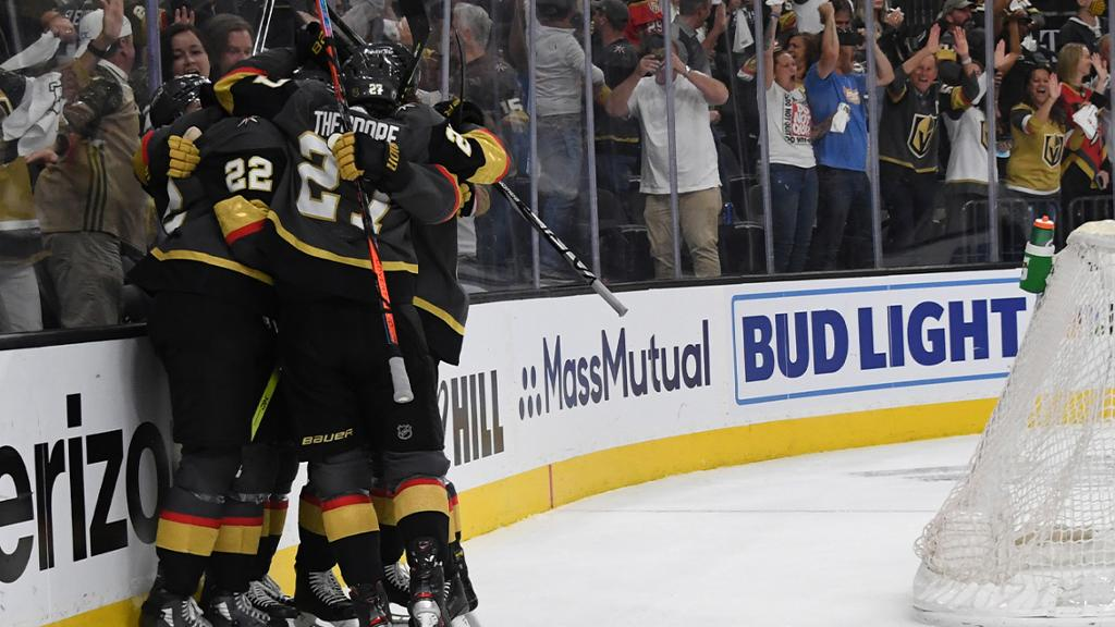 Golden Knights rally in third period, defeat Avalanche in Game 3