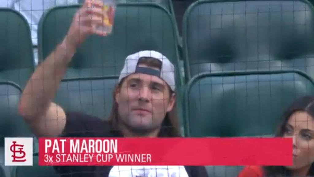 Maroon attends Cardinals game in native St. Louis, raises cup to fans