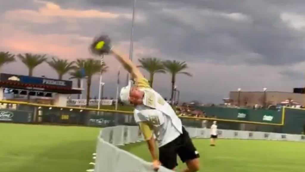 Schmidt makes highlight-reel catch at charity softball game