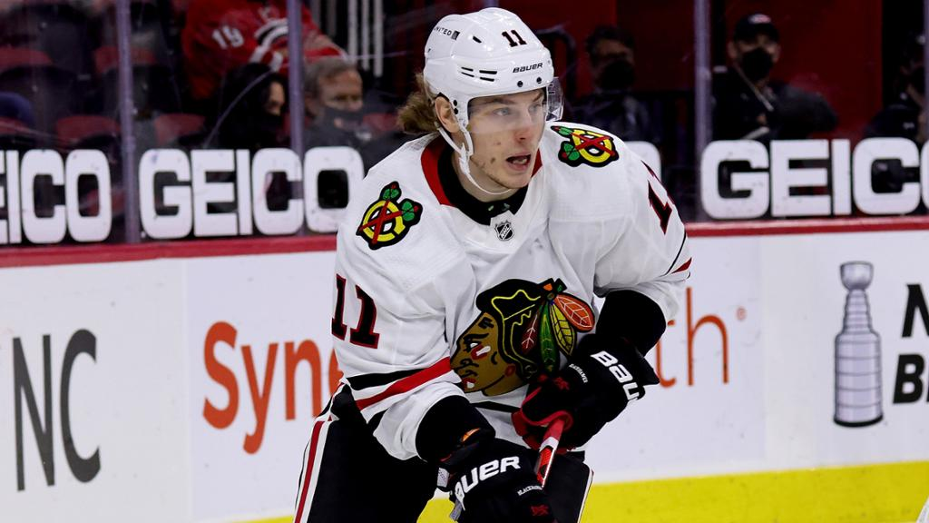 Gaudette agrees to one-year contract with Blackhawks