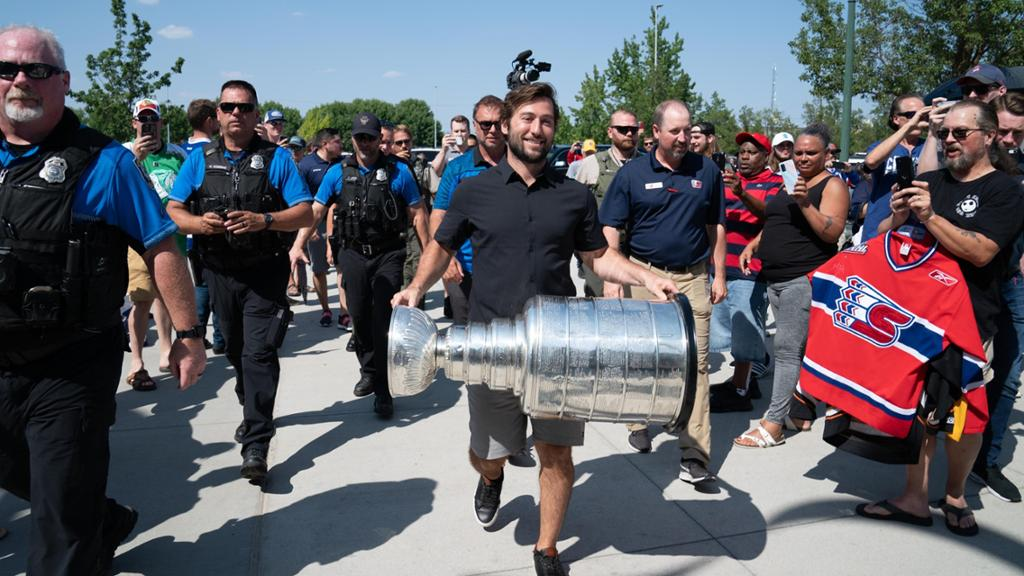 Johnson's Stanley Cup appearance draws more than 1,000 fans in Spokane