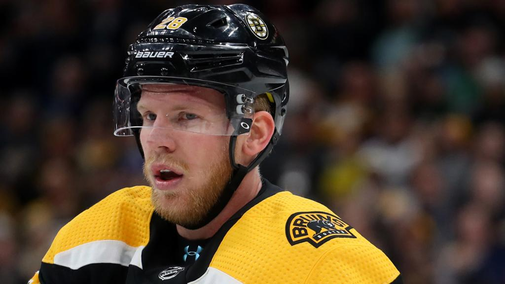 Kase signs one-year contract with Maple Leafs