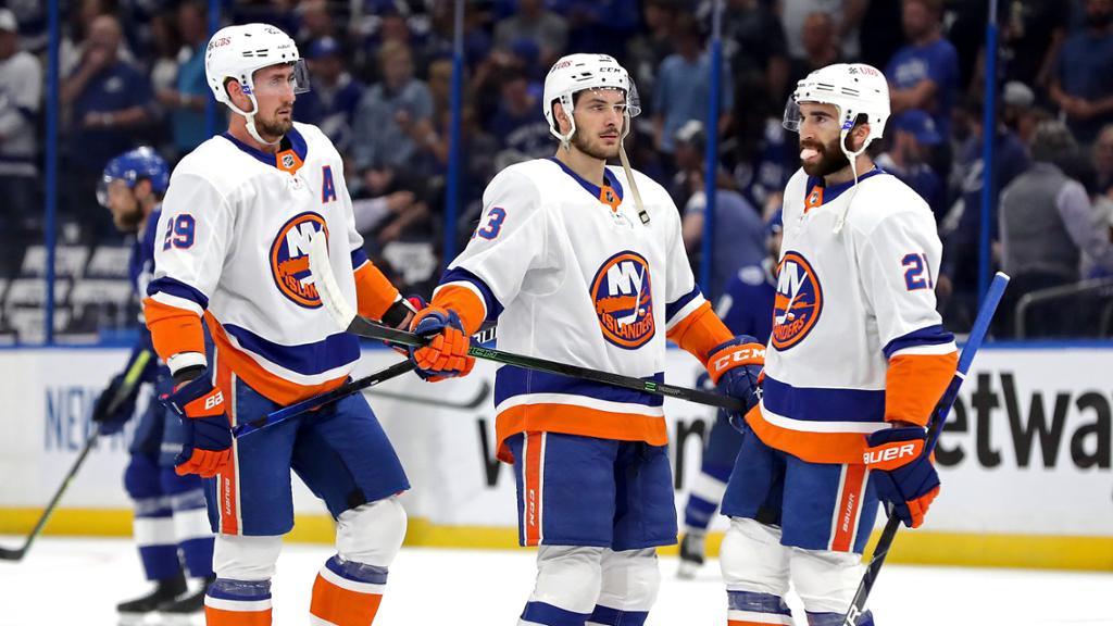 """Islanders """"speciella stomme"""" siktar högt"""